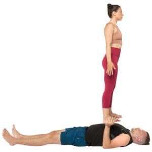 acroyoga haltung pose low Reverse Foot to Hand