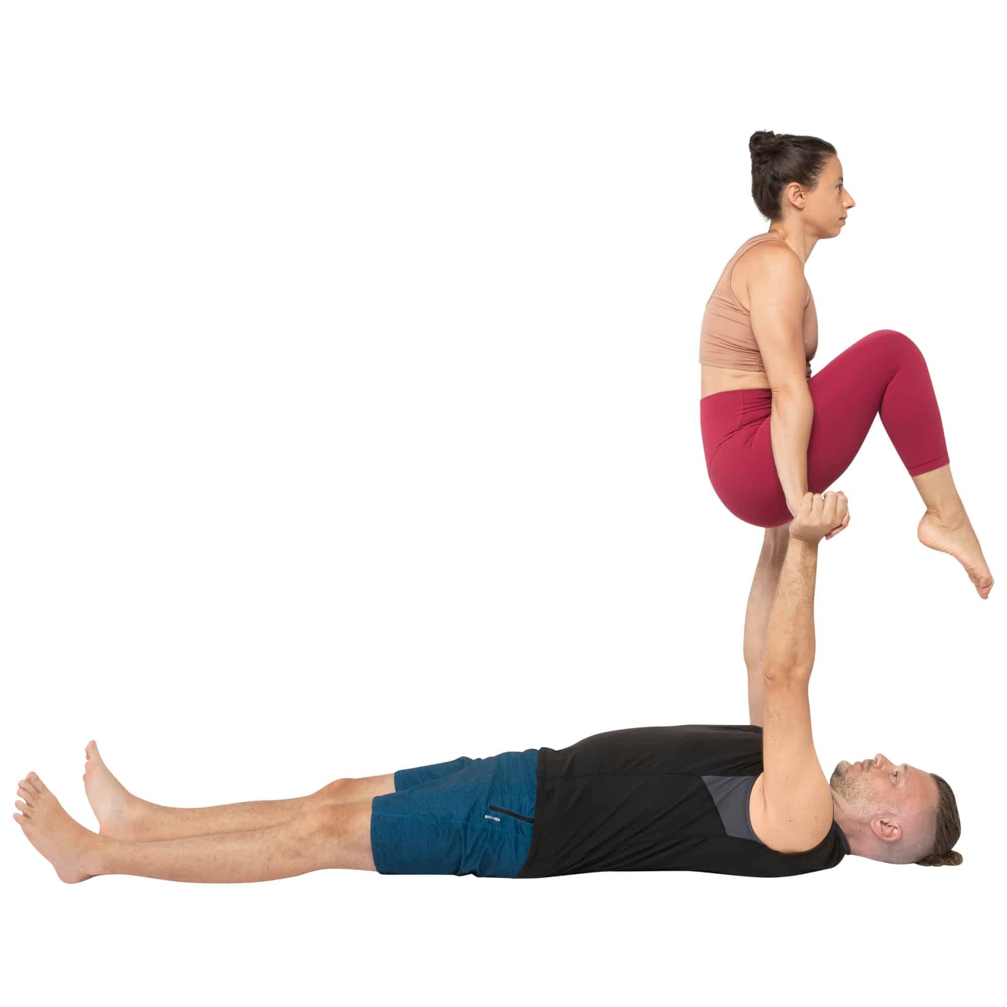 acroyoga haltung pose Reverse Tuck Sit