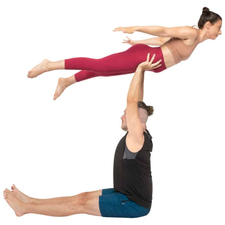 acroyoga haltung pose seated Bird on Hands